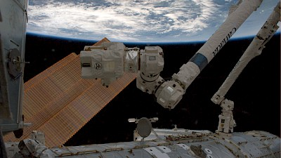 Roboterarm an der Internationalen Raumstation ISS