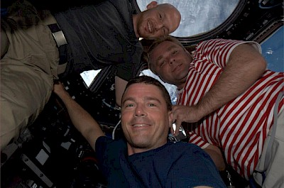 Selfie der Expedition 40/41-Crew